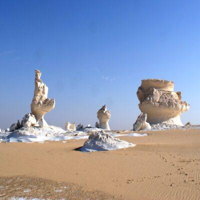 Причудливые фигуры в Белой пустыне Бахария Египет