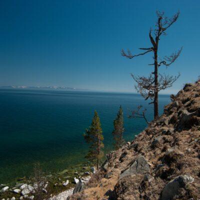 Скалистые берега Ольхона