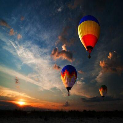 Воздушные шары у Белой скалы Крым
