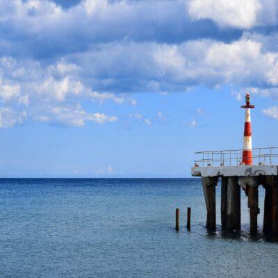 Маяк у берегов Алушты Крым
