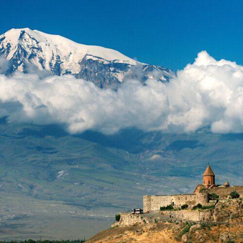 Вид на Арарат от монастыря Хор Вирап Армения