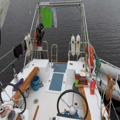 Палуба Индиго 34 Яхта 32points