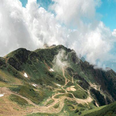 Горные вершины Красная Поляна