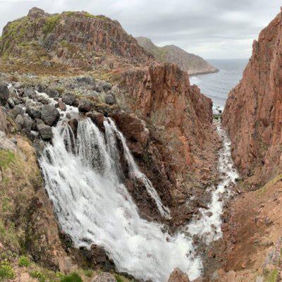 Самый северный водопад России Териберка Баренцево море