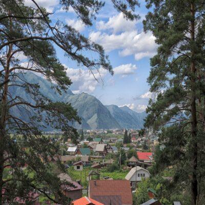 Вид на Чемал с горы Бешпек Алтай