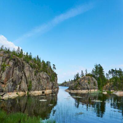 Ладожские скалы Ладожское озеро Ладога Карелия
