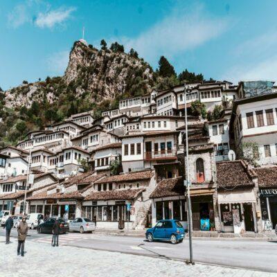 Берат город тысячи окон Албания