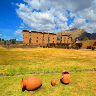 Древний храм в Ракчи Перу